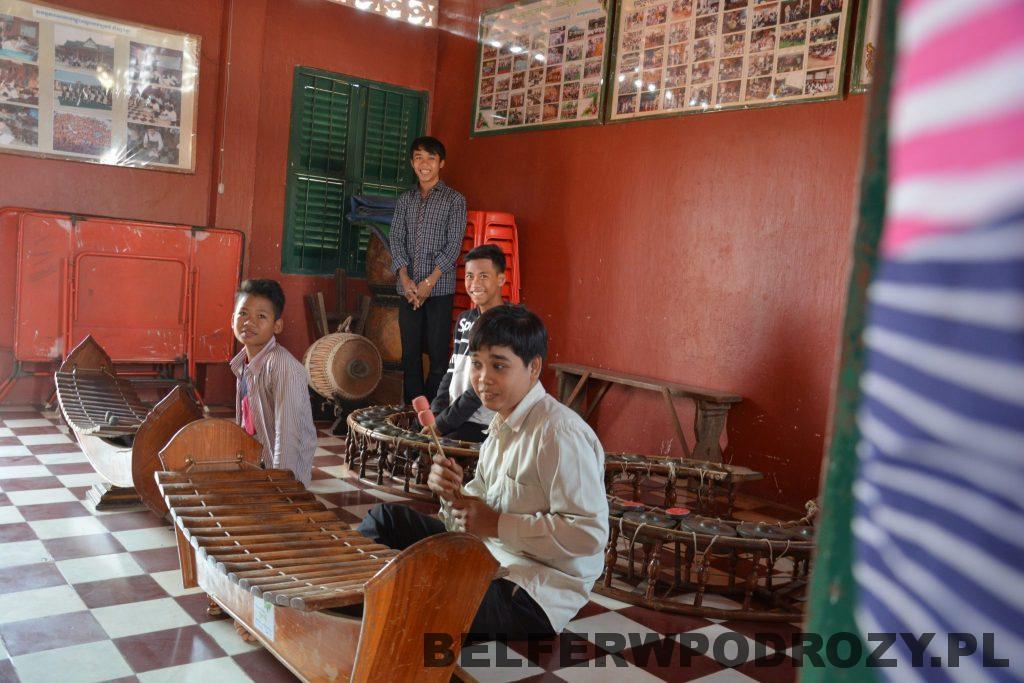 Krousar Thmey - zajęcia dotyczące muzyki Khmerów.